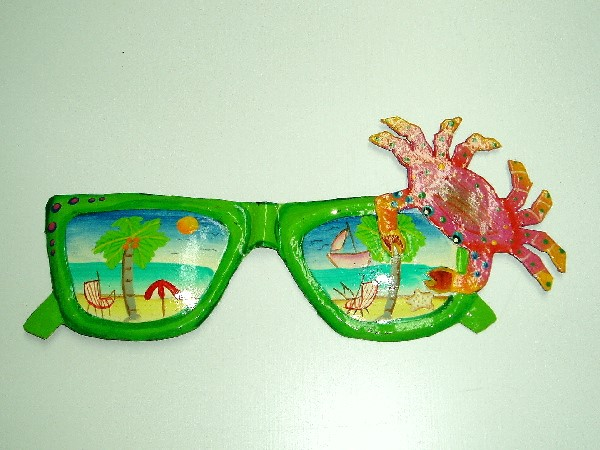 13in Green Metal Sunglasses with Crab Wall Art