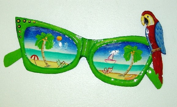 13in Green Metal Sunglass with Parrot Wall Accent
